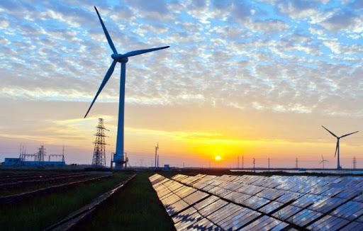 Теперь, когда энергосистема страны находится на грани коллапса, во всех бедах пытаются обвинить инвесторов в возобновляемую энергетику.