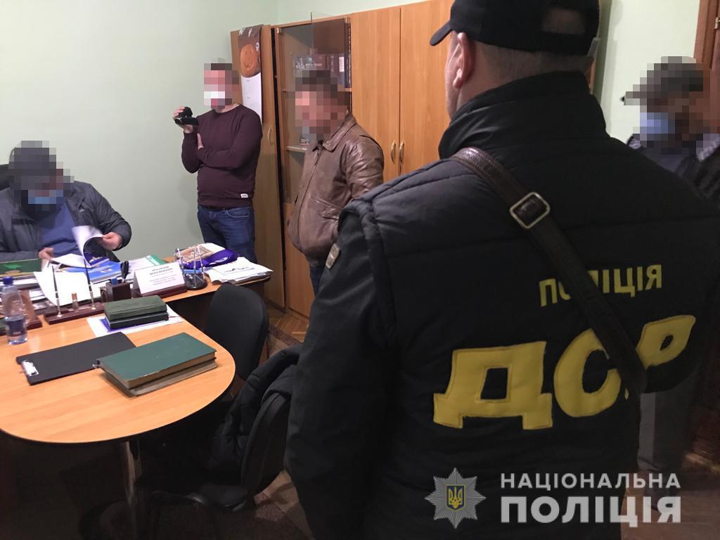Полковник внутрішньої служби погодив проведення ремонтних робіт на загальну суму 1,1 млн грн.