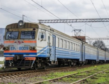 """Штрафи для """"зайців"""" у потягах Укрзалізниці хочуть стрімко підвищити — до 3 тисяч гривень"""