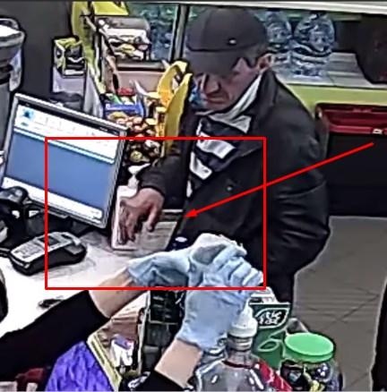 Момент крадіжки зафіксували камери відеонагляду.