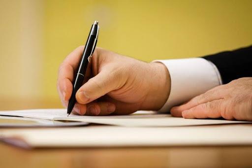 Закон передбачає обов'язкове тестування на амбулаторному та стаціонарному рівнях усіх осіб з ознаками коронавірусної хвороби, а також тих, хто контактував з хворими на COVID-19.