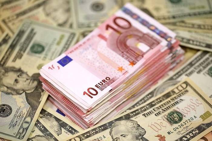 Национальный банк Украины на пятницу, 29 мая, укрепил курс гривны почти на 10 копеек по отношению к доллару и на 9 копеек относительно евро.