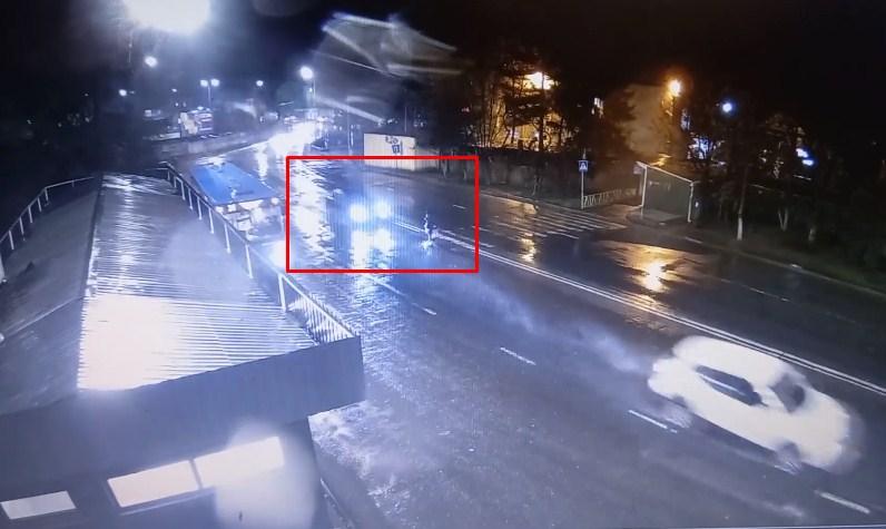 В Ужгороді автомобіля збив жінку.