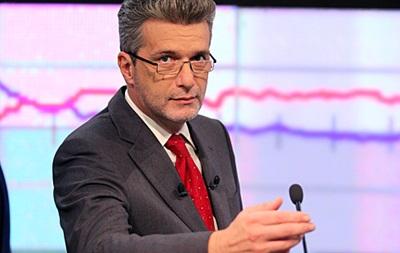 Сьогоднішні дебати Петра Порошенка на НСК Олімпійський буде модерувати український журналіст Андрій Куликов.