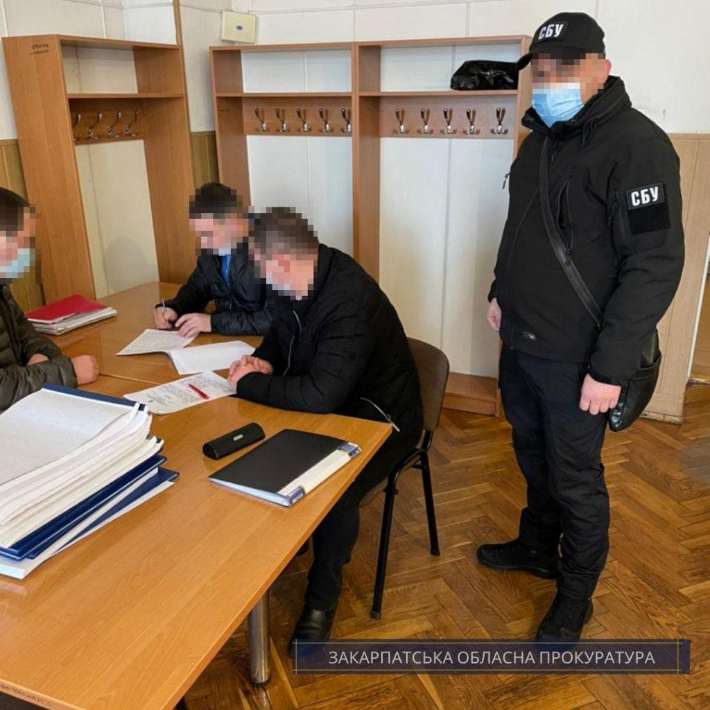 Начальника одной из станций «Укрзализныци» будут судить за сокрытие праздных автомобилей.