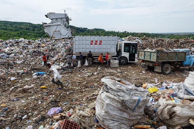 Закарпаття від мальовничого краю може швидко стати сміттєвим