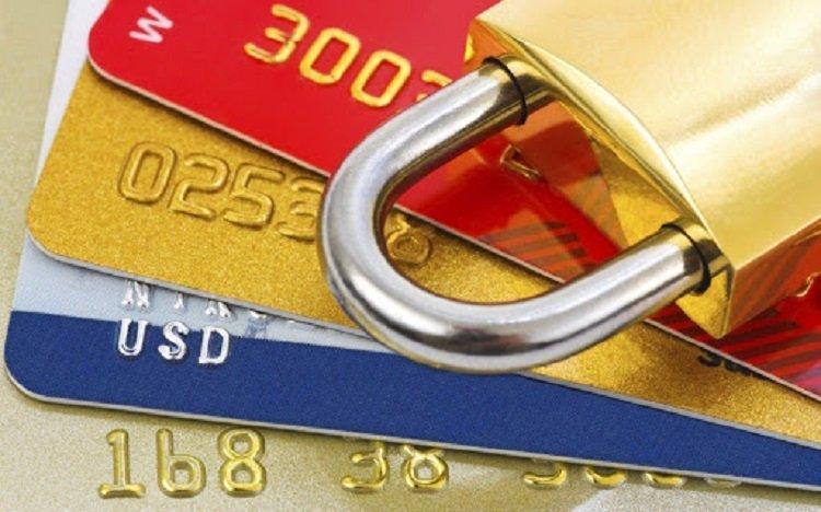 В Україні діє закон про фінансовий моніторинг, в рамках якого всі банки країни зобов'язані перешкоджати надходженню коштів невідомого походження на рахунки своїх клієнтів.