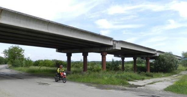 Служба автомобільних доріг у Закарпатській області поділилася планом робіт.