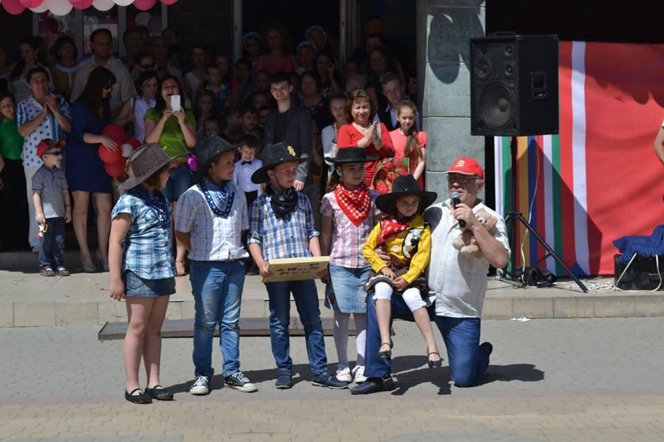 Сьогодні з нагоди Міжнародного дня захисту дітей у центрі Берегова відбулися різноманітні заходи.