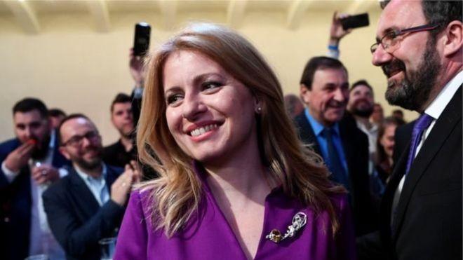 На президентських виборах в Словаччині з великим відривом перемогла антикорупційна активістка Зузана Чапутова. Вона стане першою жінкою на посаді президента країни, - пишеВВС.