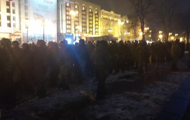 Силовики демонтували кілька встановлених наметів, протестувальники намагалися їм перешкодити.