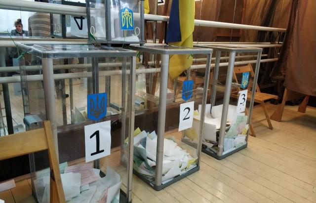 Загалом у Мукачівському районі проголосували 84 277 виборців.