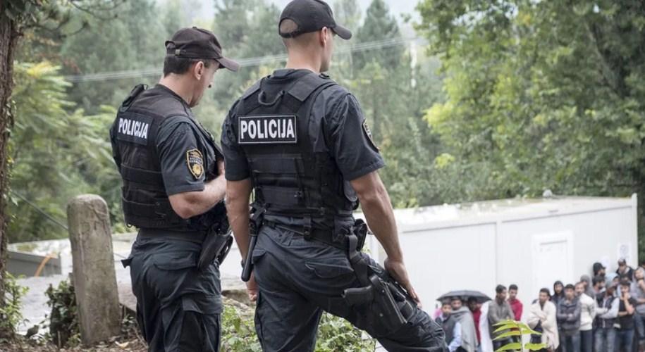 Прокуратура Боснії і Герцеговини висунула звинувачення проти громадянина України в контрабанді і перевезенні восьми мігрантів з Афганістану та Пакистану.