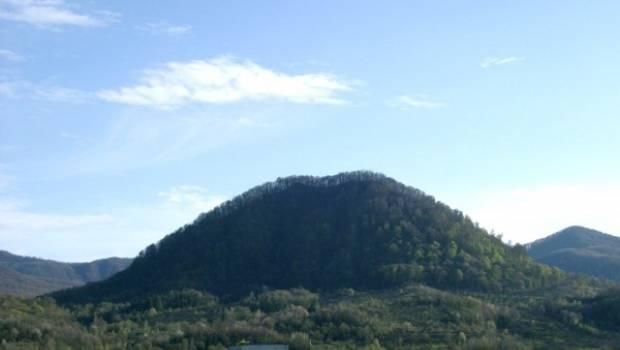Однією з маловідомих пам'яток Закарпаття є руїни замку в селищі Вишково на Хустщині