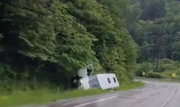 ДТП сталася поблизу Нижніх Воріт на Мукачівщині.