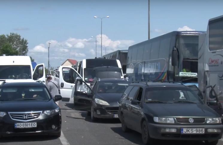 На митних переходах зі Словаччиною та Румунією жодного