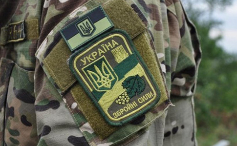 У неділю внаслідок ворожих обстрілів один військовослужбовець Об'єднаних сил загинув та один отримав бойову травму.