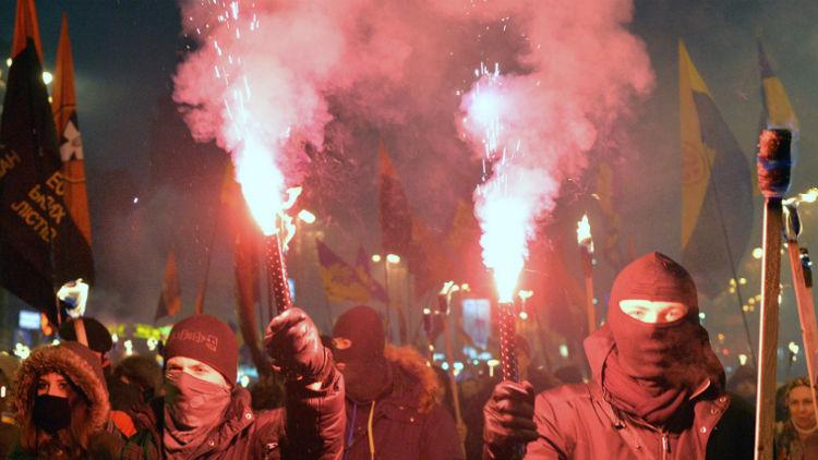 В Україні не вщухають дискусії навколо статті американського Newsweek, в якій Бандеру називають