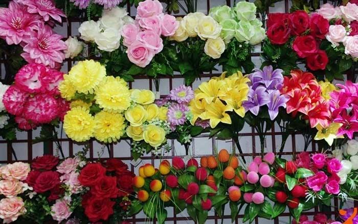 В одном из термомад Закарпатья решили не использовать пластиковые цветы.