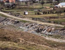 """Відоме туристичне село на Міжгірщині відтепер """"знамените"""" і як сміттєзвалище"""