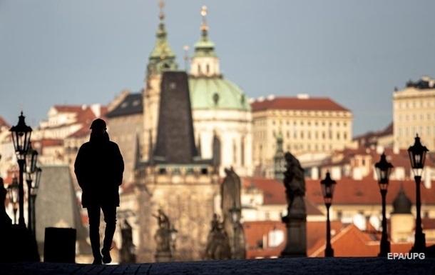 Чеські туристи після поїздок за кордон повертаються в країну, заражені коронавірусом, кажуть у місцевому МОЗ.