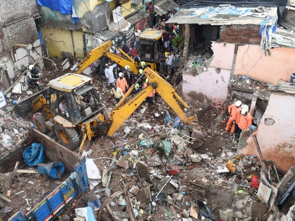 11 людей загинули, у тому числі 8 дітей, в результаті обвалення будинку в Мумбаї.