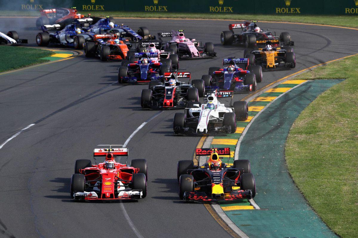 Як геймери обігруюють справжніх гонщиків у віртуальних перегонах?