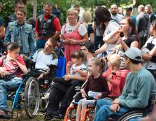 Для городян з інвалідністю в Ужгороді провели доброчинну акцію
