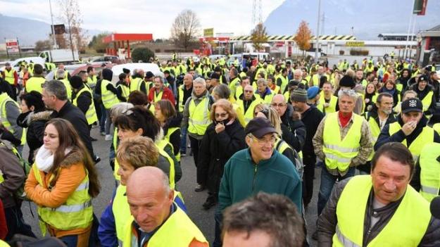 Протести водіїв у Франції: 229 постраждалих, більше сотні затриманих