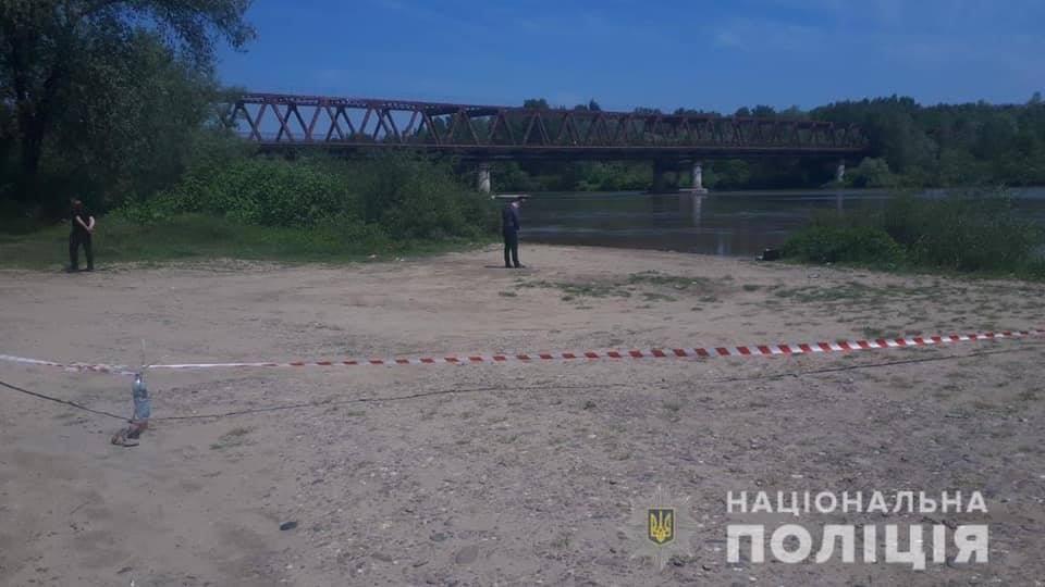 В середині листопада минулого року в руслі р.Тиси на Виноградівщині було виявлено рештки людини.