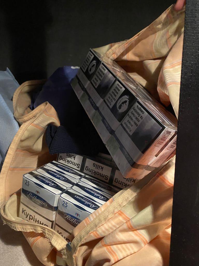 У вантажівці боснійця прикордонники виявили контрабандний тютюн.