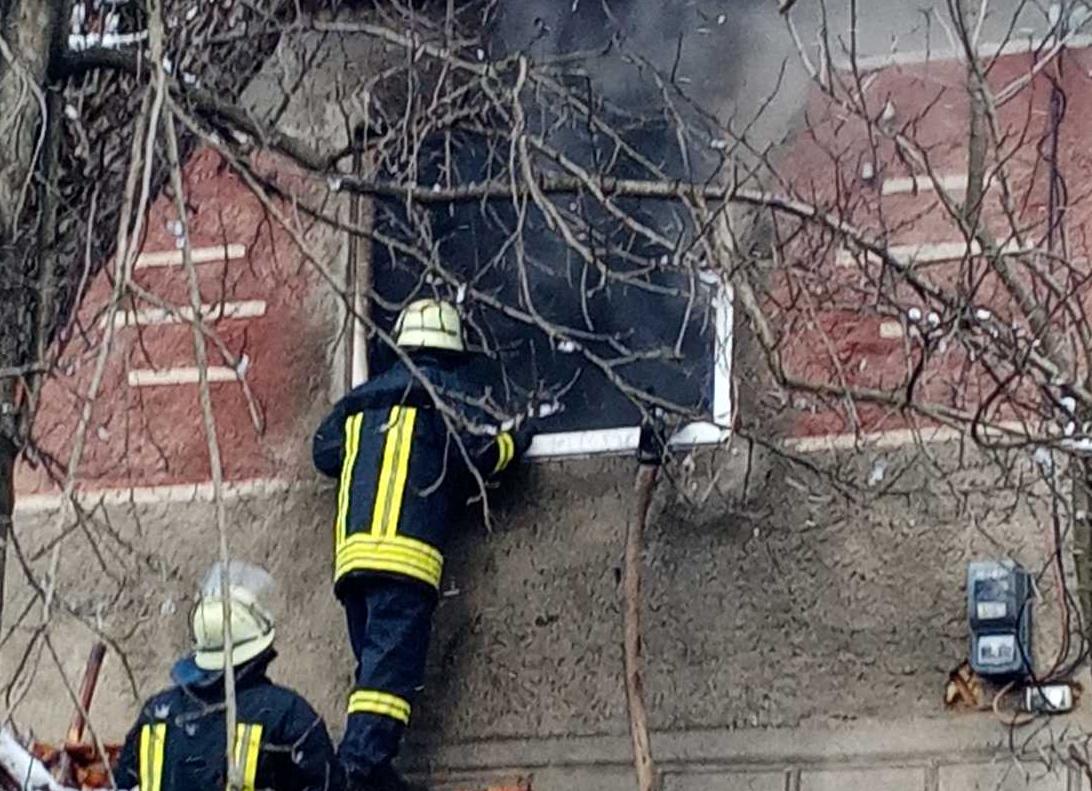 Воловецькі пожежники запобігли знищенню житлового будинку у селі Скотарське.