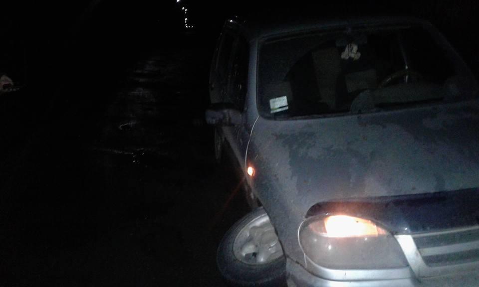 На Свалявщині через ями в автомобілів вириває колеса прямо на ходу / ФОТО