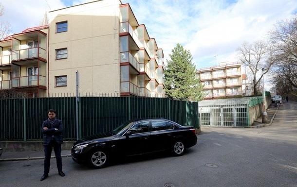 Російських дипломатів підозрюють у тому, що вони незаконно здають в оренду квартири в будинках, виділених для проживання співробітників.