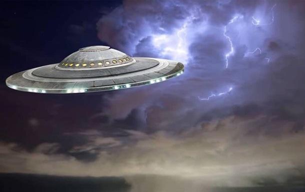 ВВС: в небі над Ірландією помічено НЛО