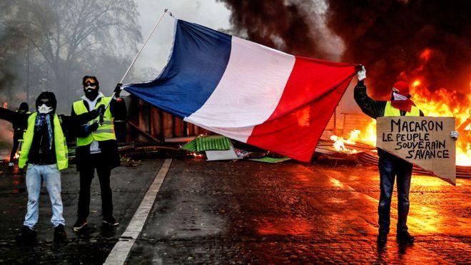 У Франції остаточно передумали підвищувати податки на пальне
