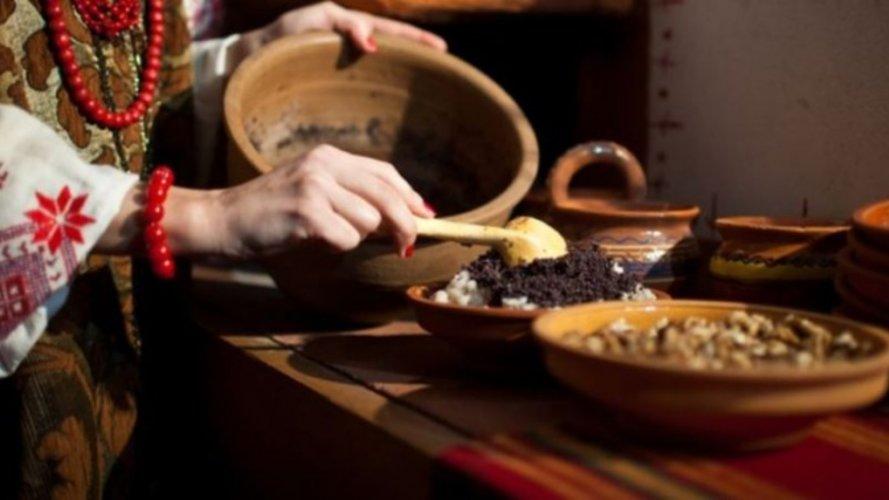 Різдвяне коливо або кутя - традиційна ритуальна страва новорічно-різдвяного циклу має тисячі інтерпретацій і в кожній родині готується на свій лад.