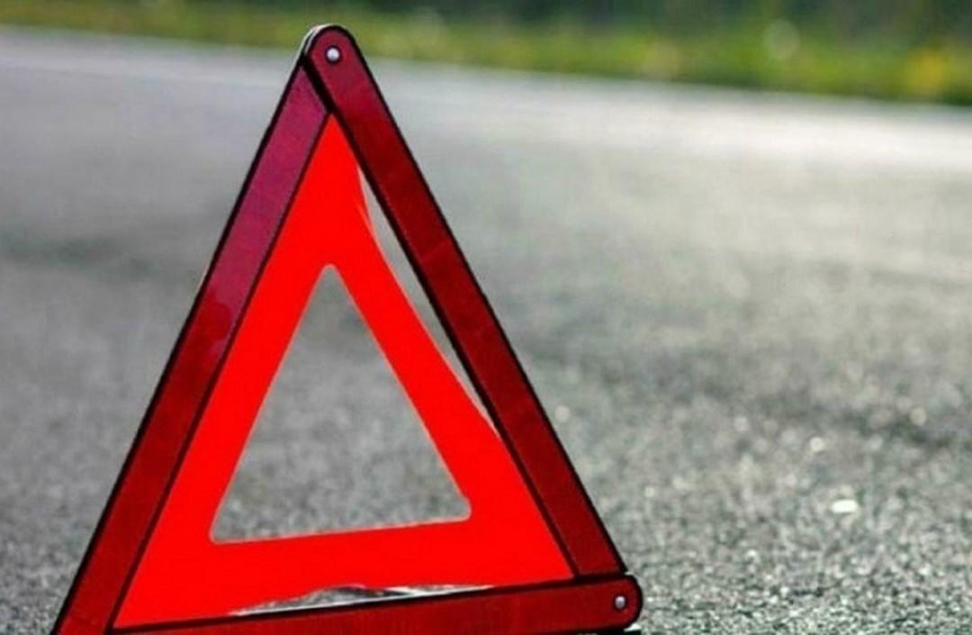 Відомо, що трапилася автопригода сьогодні, 5 січня, близько 14:00 на вулиці Ужгородській неподалік мосту, що веде до центру міста.