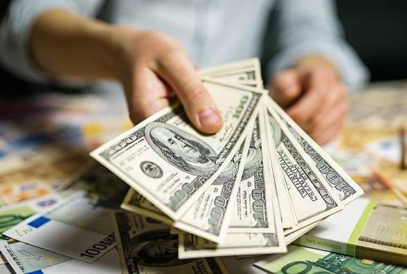 Курс валют на 6 липня: НБУ дещо зміцнив гривню