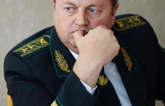 Підтвердилися скарги на двох чиновників в Закарпатській і Харківській областях, зазначив прем'єр-міністр.