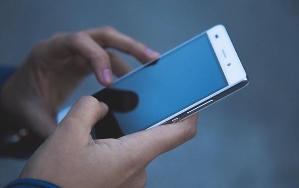 С сегодняшнего дня предпринимателям можно использовать смартфон в качестве программных расчетно-кассовых аппаратов.