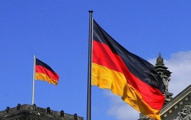 Українці звернулися за допомогою в посольство. Дипломати реєструють всі заявки про евакуацію в Гамбурзі, Дюссельдорфі, Мюнхені та Франкфурті.
