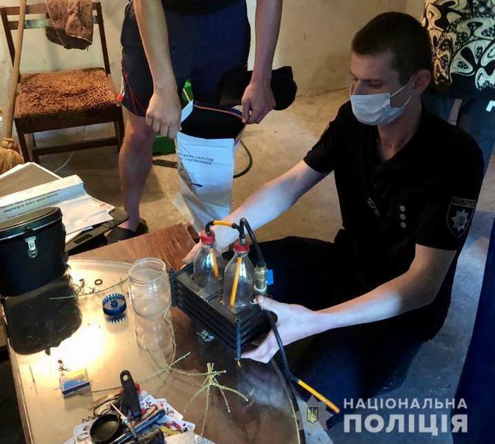 Вчора, 17 червня, поліцейські Берегівського відділу поліції провели санкціонований судом обшук помешкання 24-річного жителя села Свобода Берегівського району.
