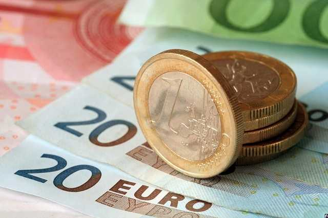 Євро в Україні б'є рекорди : Чого чекати далі