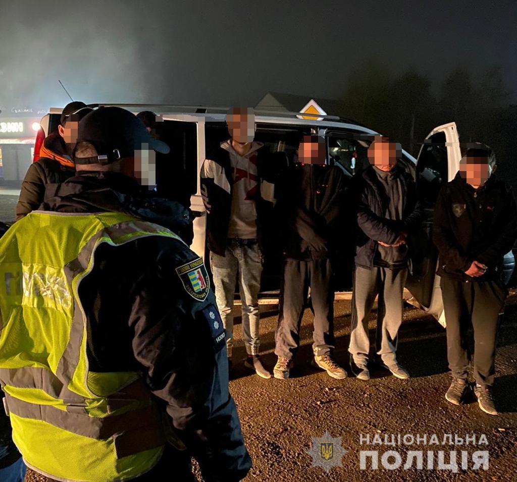 Поліція спільно з працівниками прикордонної служби, попередили  спробу переправлення нелегальних мігрантів через кордон України у селі Яноші, Берегівського району.