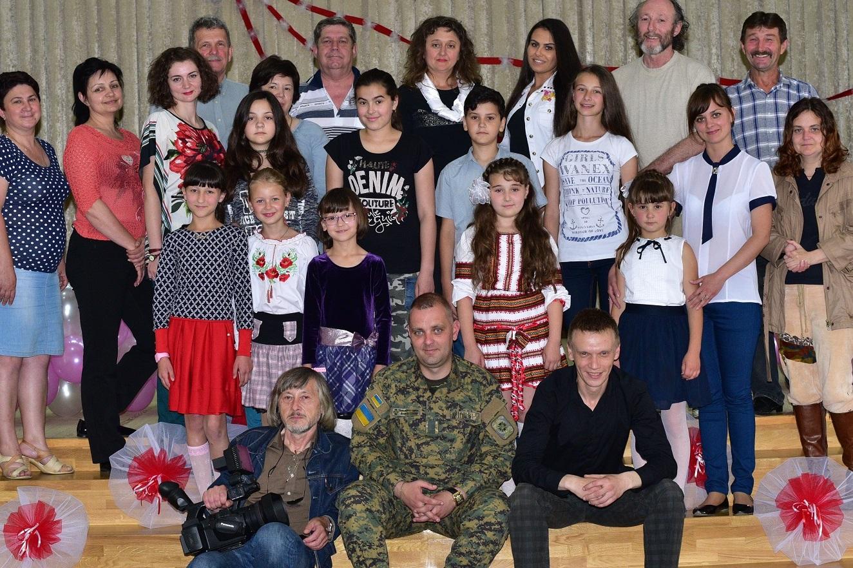 15 червня в Виноградові в неформальній, творчій атмосфері пройшов дитячий пісенний конкурс «Срібний Голос Карпат».