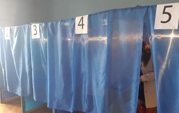 У Тячівському районі явка на виборах становить 34,83 %.