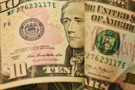 На 14 жовтня 2020 року офіційний курс гривні встановлений на рівні 28,24 грн/дол.