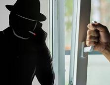 Закарпатські правоохоронці шукають ошуканих аферистом краян