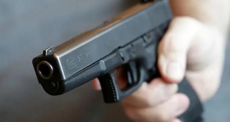 В Україні можуть легалізувати короткоствольну вогнепальну зброю. Правда, поки його можна буде тільки зберігати вдома, але не носити з собою.